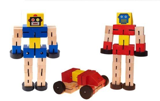 Robot transformer de madera grande