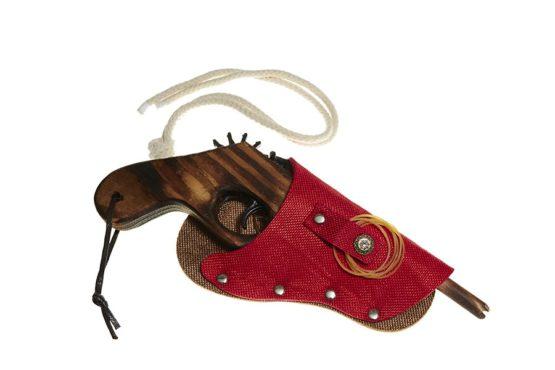 Pistola con funda Roja