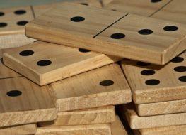 Beneficios de jugar al dominó