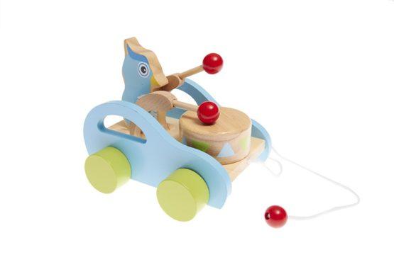 Arrastre musical de madera con coche, pájaro y tambor