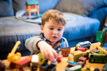 juguetes de madera jugar en casa
