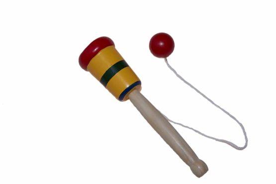 Juguete de madera Cazabolas